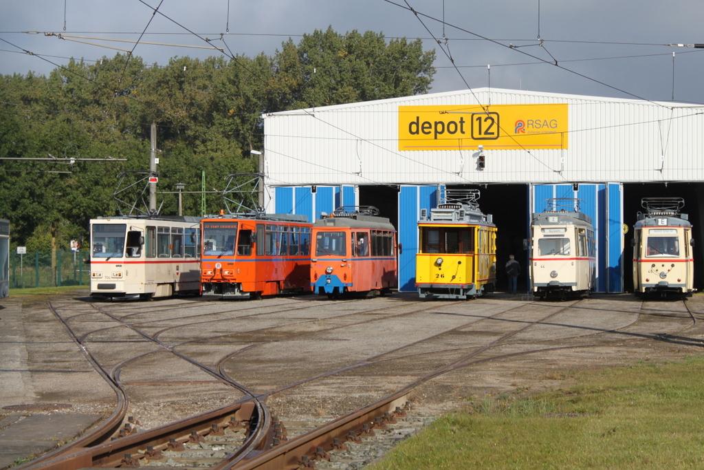 Das Empfangskomitee Stand Vor Dem Depot 12 In Rostock