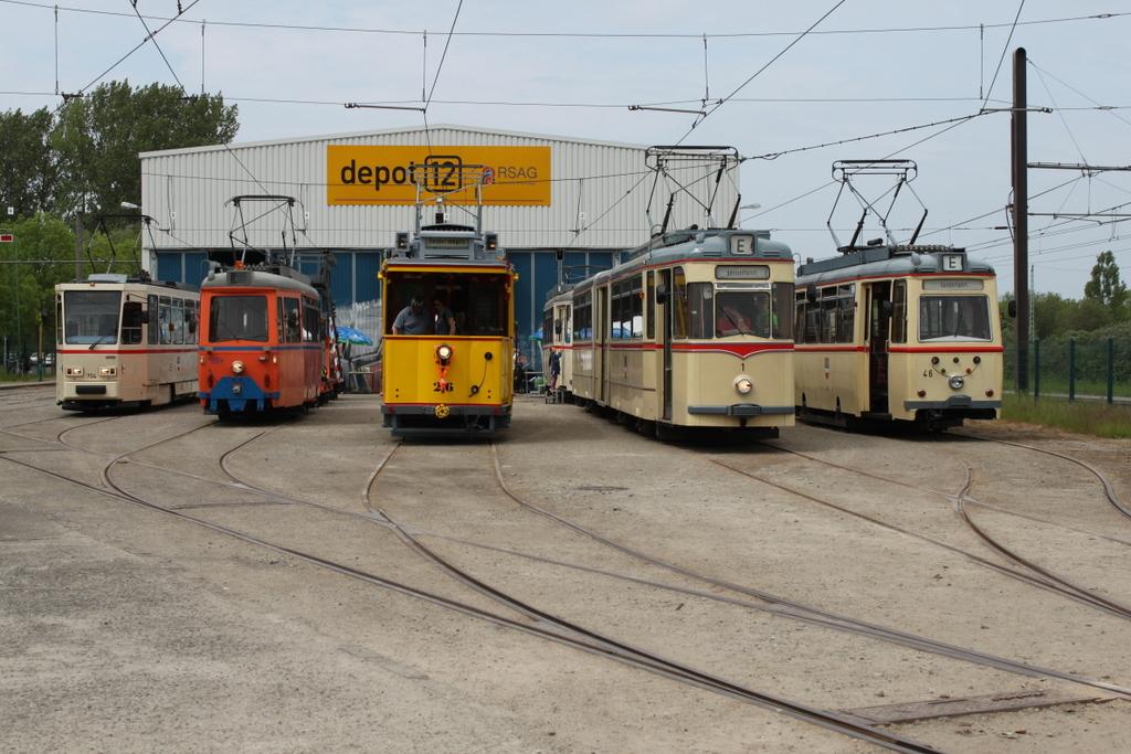 Fahrzeugparade Zum 90 Geburtstag Von Traditionswagen 26