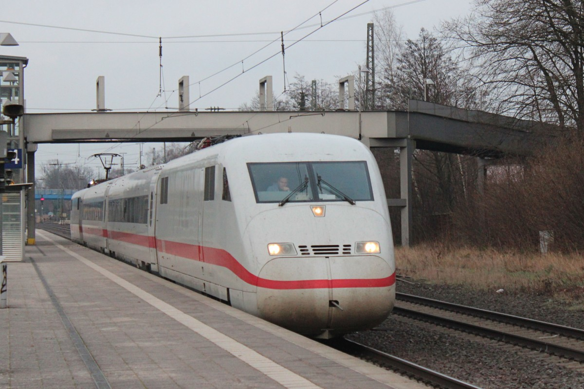 Messzug ICE 410 102-8 / 410 101-0 am 26.01.2016 in Tostedt.