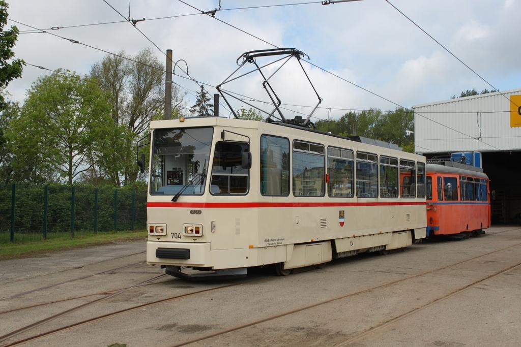 Tatra T6a2 704 Mit Lowa Wagen 554 Vor Dem Depot 12 In