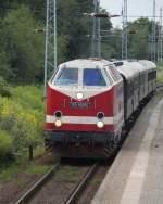119 158-4/285385/119-158-4-mit-sonderzug-von-warnemuende 119 158-4 mit Sonderzug von Warnemünde nach Berlin-Schöneweide bei der Durchfahrt in Rostock-Bramow.10.08.2013