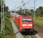 BR 101/152697/101-053-7-mit-ic2239-von-warnemuende 101 053-7 mit IC2239 von Warnemünde nach Dresden Hbf kurz nach der ausfahrt im Bahnhof Rostock-Bramow.(31.07.2011)