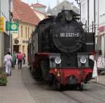 Baderbahn Molli/138593/99-2321-0-musste-sich-am-12052011 99 2321-0 musste sich am 12.05.2011 durch die Straße von Bad Doberan quälen.